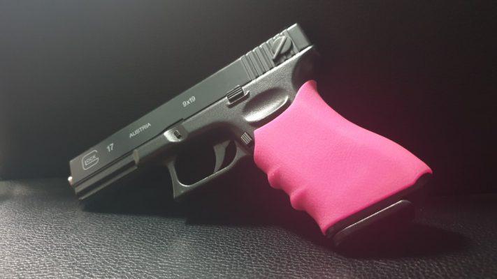กริ๊ปซิลิโคนหุ้มด้ามปืน Glock - 52ab59b229f9ee817ce8fc4c86f0240e 711x400 -