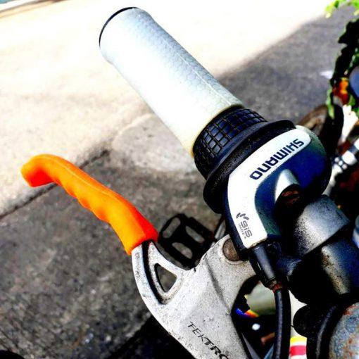 ปลอกเบรกรถจักรยาน ยางซิลิโคนนิ่ม ช่วยให้จับเบรกกระชับกันลื่น
